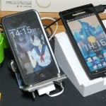 iPod Touch と Xperia arc のスタンド作った。