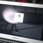 MacBook Air にアンチグレアシートを貼った